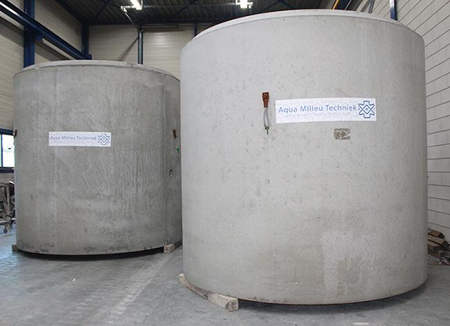 Betonnen olieafscheiders in productie AMT